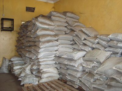 Packed_and_stored_organic_fertilizer, fot. Autor SuSanA Secretariat [CC BY 2.0
