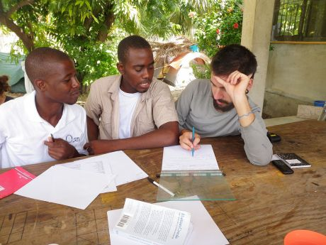 Haitian_students_learn_English_from_Canadian_volunteer